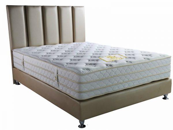 מיטה זוגית מרופדת מפוארת דגם תרשיש Camp David כולל מזרון